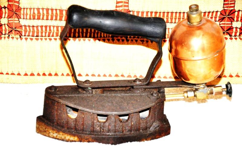 Un fer repasser - Evolution du fer a repasser ...