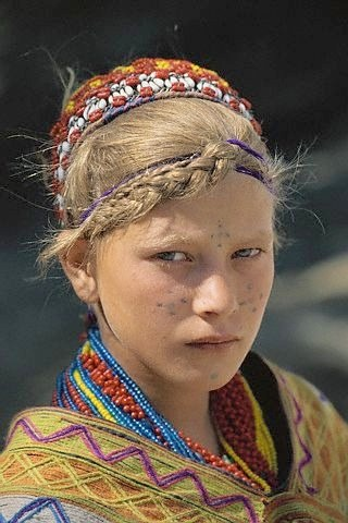 girl-kalash
