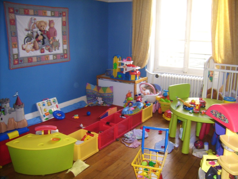 coin salle de jeux assmat bebe design de maison. Black Bedroom Furniture Sets. Home Design Ideas