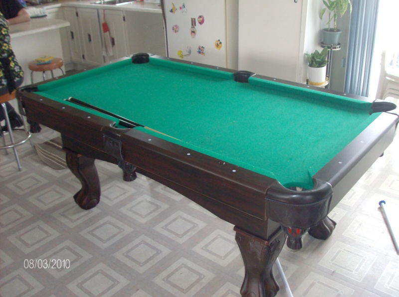 table de billard. Black Bedroom Furniture Sets. Home Design Ideas