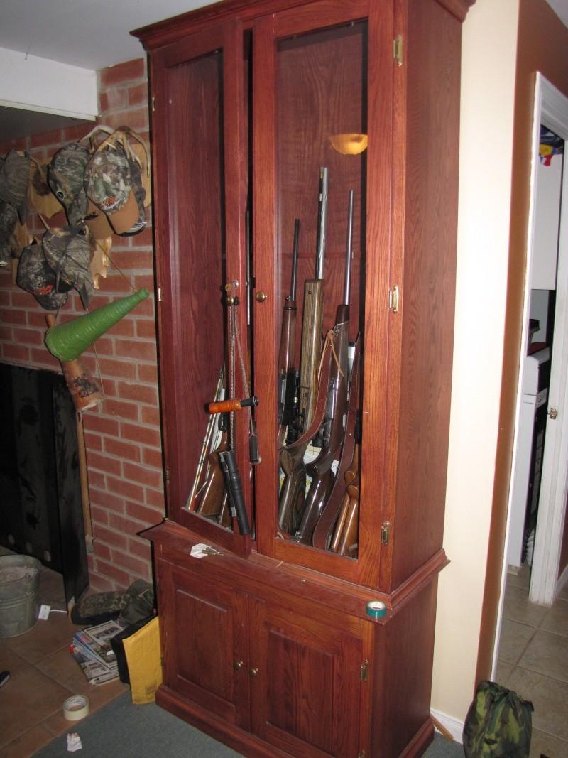 Armoire en ch ne pour armes feu vendre vendu for Meuble porte fusils bois
