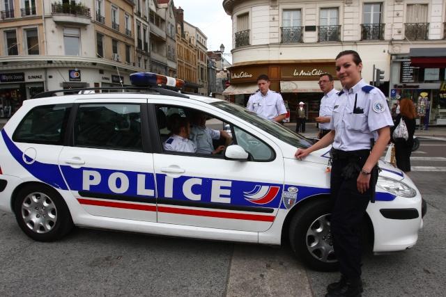 la nouvelle voiture de la police fr sur le forum blabla 18 25 ans 09 10 2012 02 08 22 page 2. Black Bedroom Furniture Sets. Home Design Ideas
