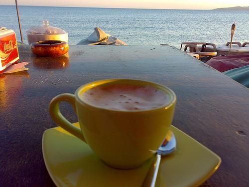 Добро утро мили дами хайде на кафенце