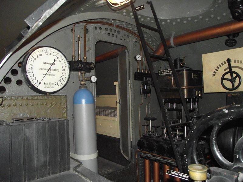 U boot u1 im deutschen museum m nchen for Deutsches u boot typ xxi mit interieur