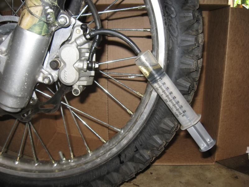 triumph forum triumph rat motorcycle forums brake bleeding issue. Black Bedroom Furniture Sets. Home Design Ideas