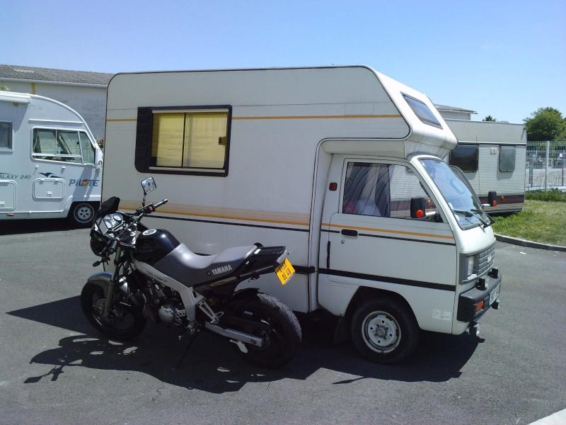 un mini camping car. Black Bedroom Furniture Sets. Home Design Ideas