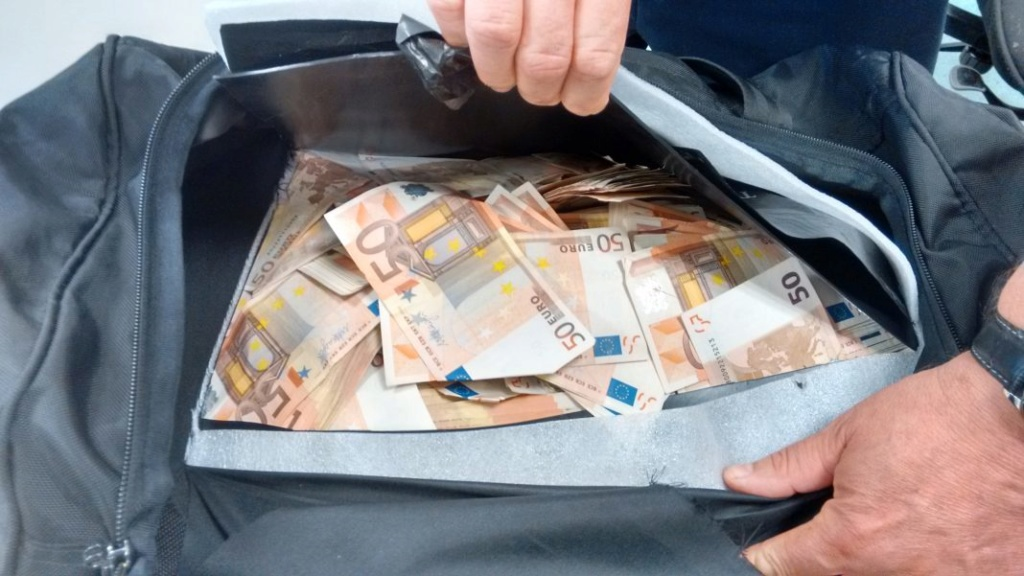 cash_z10.jpg